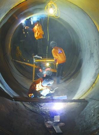 Thi công tuyến đường ống áp lực Thủy điện Nậm Chiến