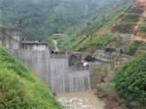 Đổ bê tông tràn thủy điện Nậm Mu